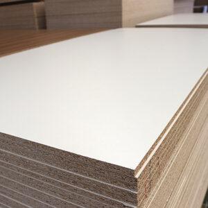 ХДФ 1 ст белый ламинат 2800х2070 – 3 мм